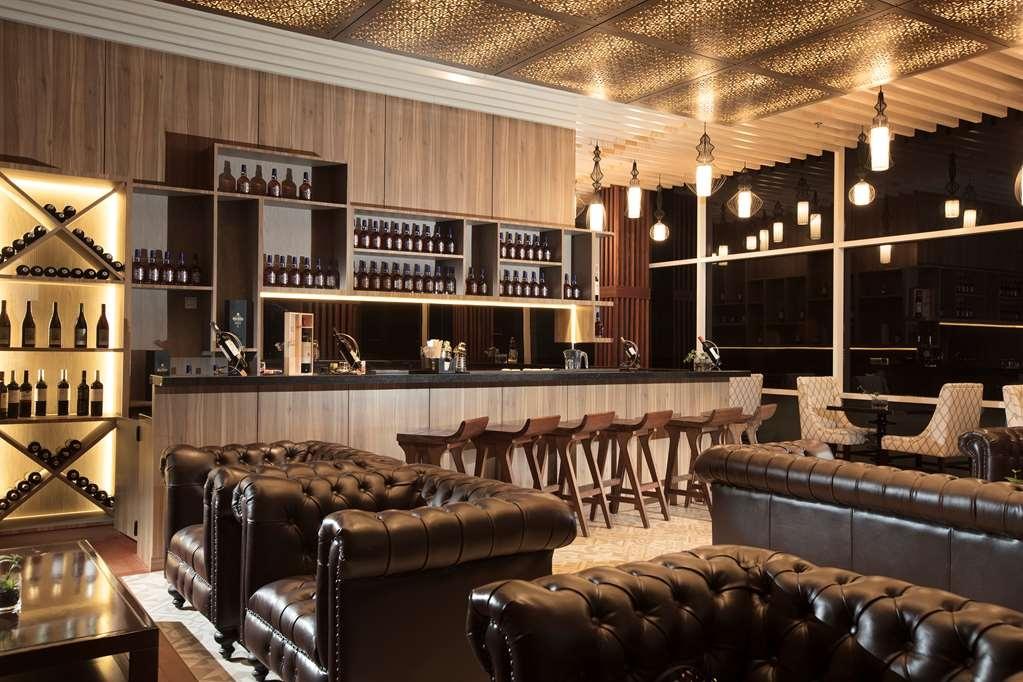 Best Western Premier Panbil - Bar / Lounge
