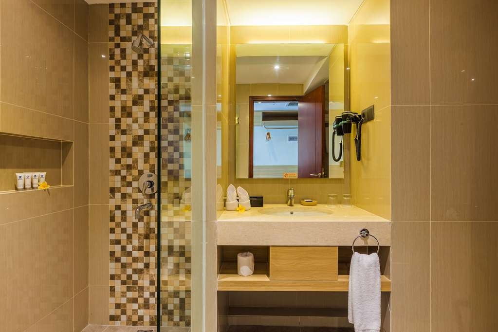 Best Western Kamala Jimbaran - SUPERIOR BATHROOM